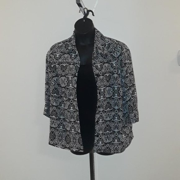Black & White Shell/Shirt Combo